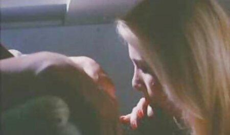 लोवेलास काला आदमी एक झटका ब्लू सेक्सी फिल्म फुल एचडी नौकरी और पिछवाड़े में जाँघिया में दो लड़की दोस्तों का आनंद