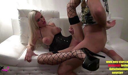 माँ, गोरी सेक्सी बीएफ फुल एचडी उसके प्रेमी के साथ