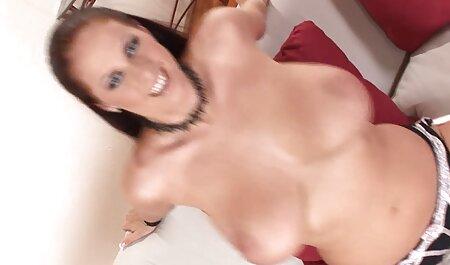 बिस्तर सेक्सी फिल्म एचडी फुल एचडी पर बेडरूम में मालिश के साथ माँ सेक्स