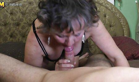 रूसी सेक्स: माँ बाथरूम सेक्सी फुल एचडी हिंदी में में बेटे पर जासूस और गड़बड़ कर दिया ।