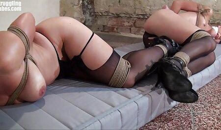 बिस्तर में एक गोरा सेक्सी फुल एचडी हिंदी में के साथ सेक्स