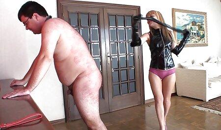 पुराने कुतिया एक सेक्सी वीडियो एचडी फुल मूवी कुतिया है, एक चिप के साथ